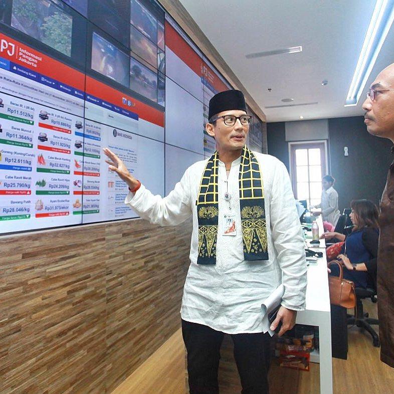 Tampil Kekinian, Ini 10 Gaya Wakil Gubernur DKI Jakarta Sandiaga Uno