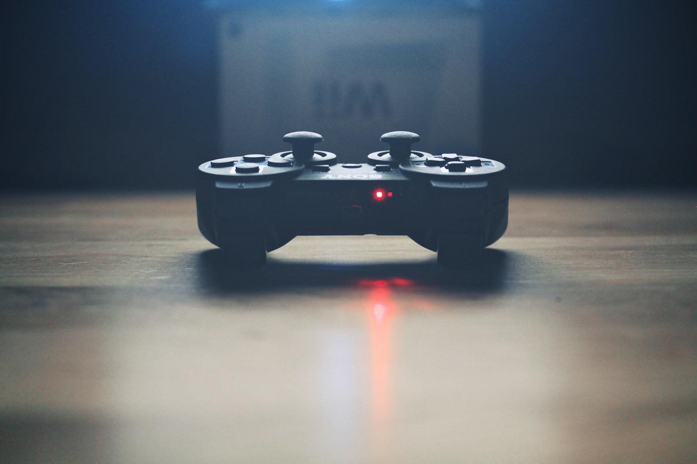 Keren Banget! 5 Gadget Ini Wajib Dimiliki Buat Kamu yang Suka Main Game