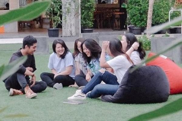 5 Kafe di Jakarta dengan Fasilitas Outdoor Kece, Asyik buat Piknik