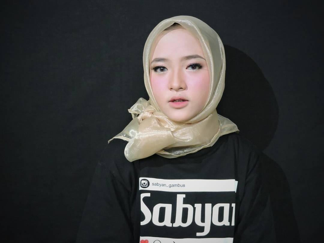 10 Potret Nissa Sabyan Gambus, Videonya Ditonton Puluhan Juta Kali