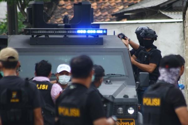 Densus 88 Tangkap Terduga Teroris di Sukabumi