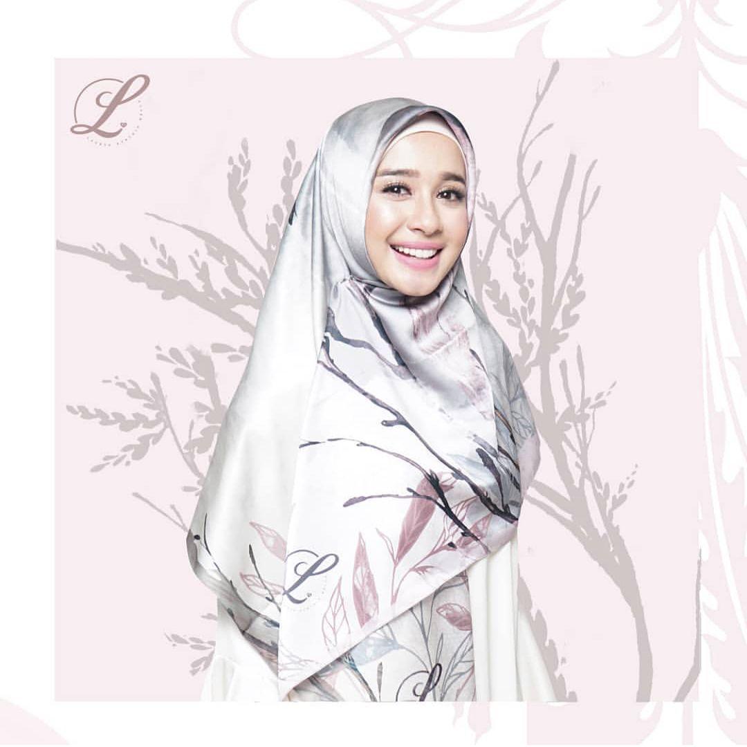 10 Bisnis Hijab Artis Indonesia, Referensi Busana Kece Saat Lebaran