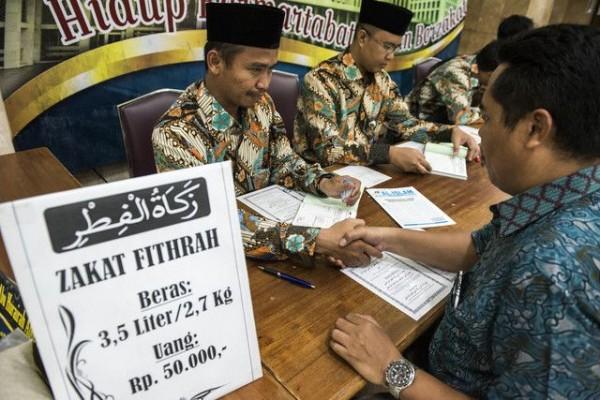 Wajib Ditunaikan Sebelum Idul Fitri, Ini Manfaat Bayar Zakat Fitrah