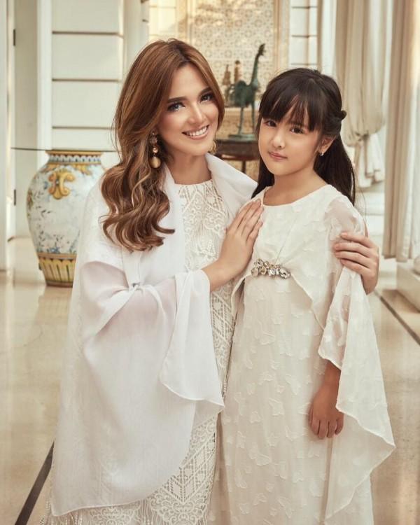 Elegan, 10 Potret Perayaan Lebaran Keluarga Nia Ramadhani Bakrie