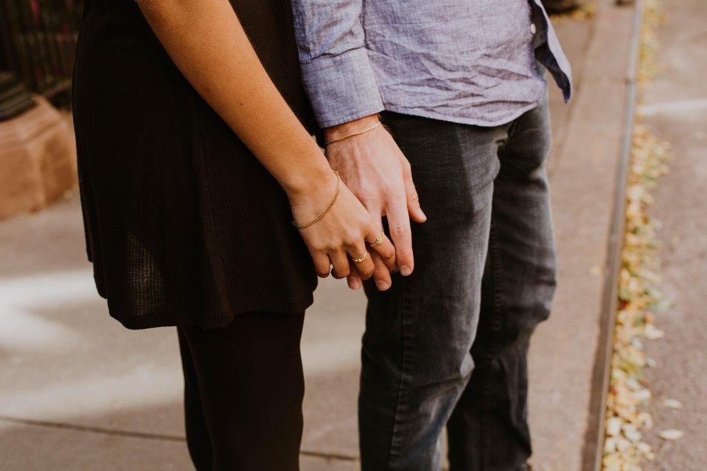 10 Hal yang Kelak Kukatakan Pada Putriku Mengenai Jahatnya Jatuh Cinta