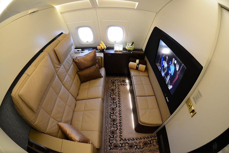 Menjajal Pengalaman Tidur di Pesawat Termewah, bak Apartemen di Udara