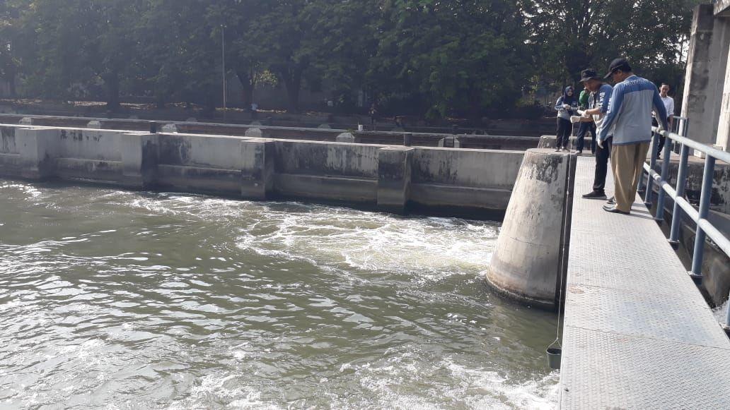 Oksigen Hampir Menyentuh Angka 0, Sungai Surabaya Sudah Tidak Sehat