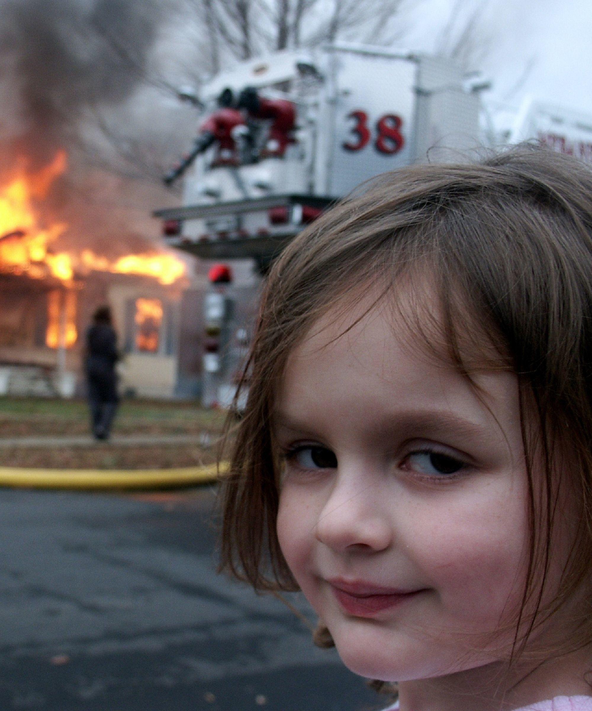 Dulu Jadi Meme 'Disaster Girl', Ini 10 Potret Zoe Roth Sekarang