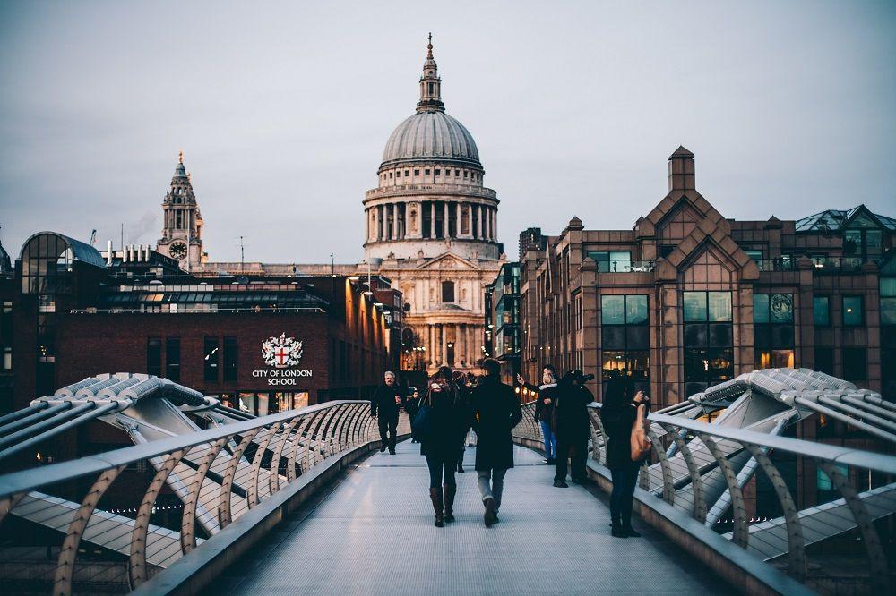 9 Cara Gratis Biar Bisa ke Luar Negeri, Layak Dicoba Nih!