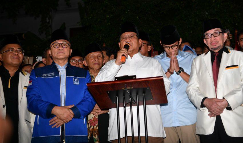 Usai Deklarasi, Prabowo-Sandiaga Langsung Wefie