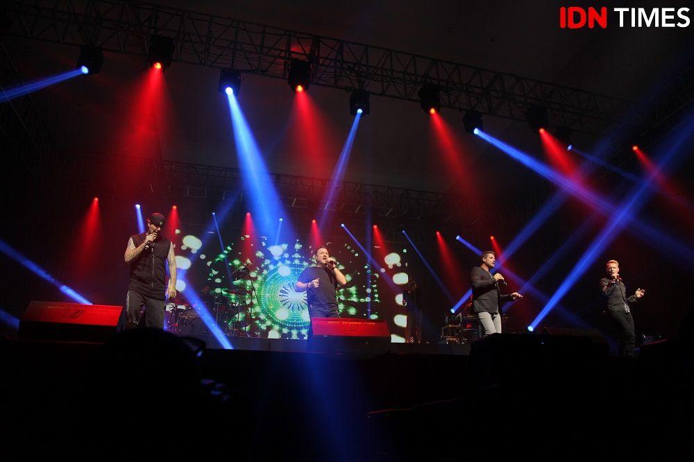 Tur Terakhir, Ini 7 Keseruan dari Farewell Concert Boyzone di Surabaya