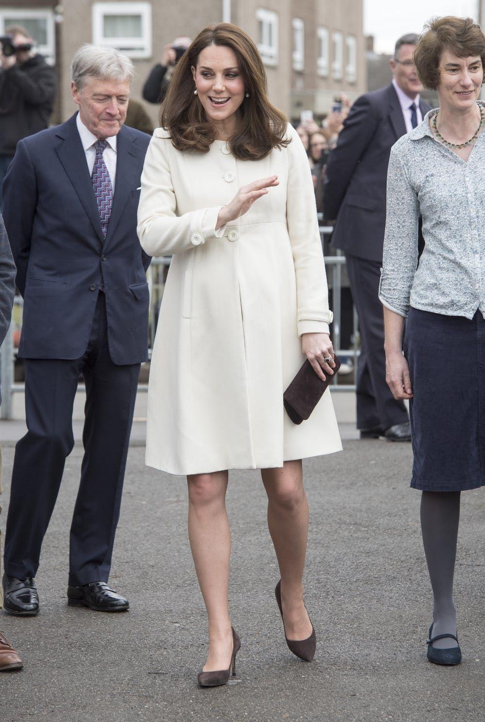 Adu Gaya Kate Middleton Vs Pippa Middleton, Royal Family Stylish!