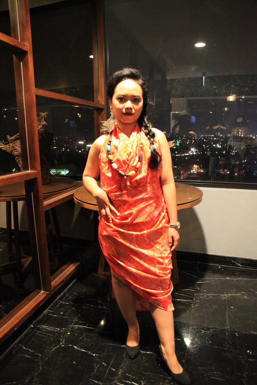 Menawan, Desainer Muda Ini Gunakan Batik Dolly Sebagai Karyanya