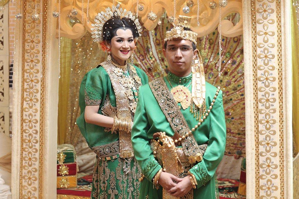 Mewah dan Bersahaja, Ini 14 Baju Pernikahan Adat Bugis Makassar