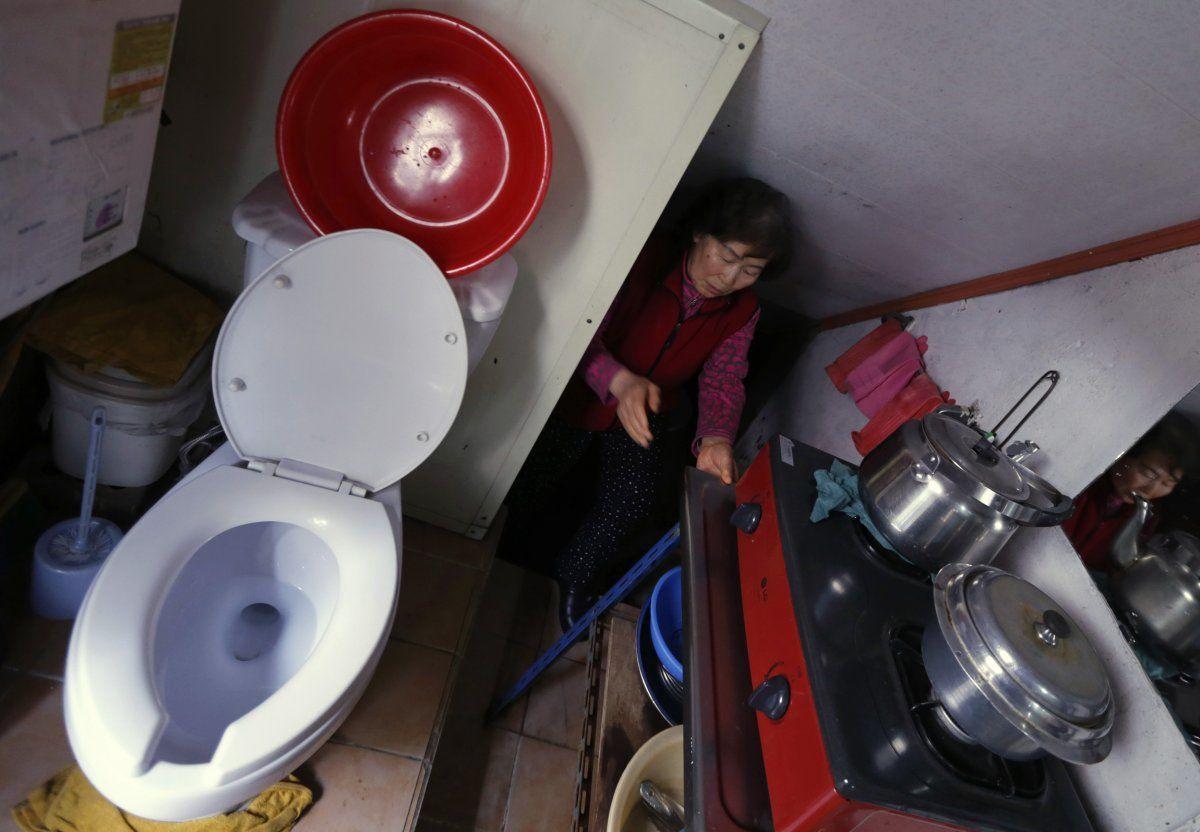 Miris, Begini Potret Kehidupan dalam Hunian Paling Sempit di Dunia