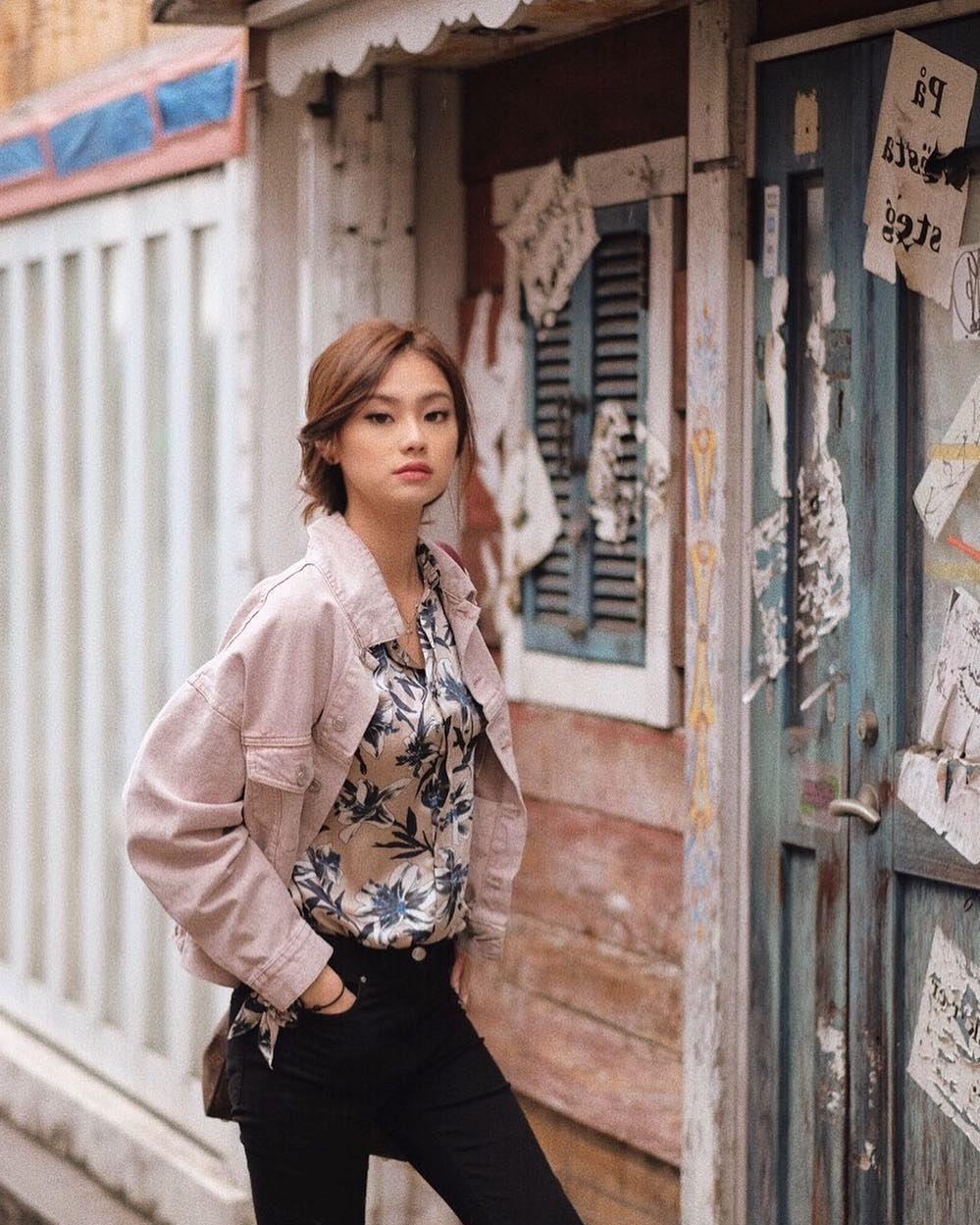 10 Potret Manisnya Gege Elisa di Jepang, Hits Banget!