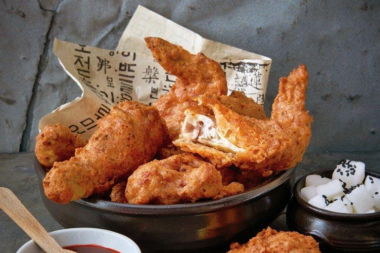 8 Perbedaan Mencolok Antara KFC di Korea dan Indonesia, Enak Mana Ya?