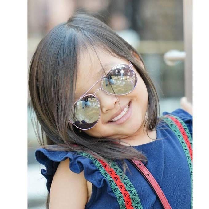 Jago Pose, 10 Gaya Thalia Putri Ruben Onsu & Sarwendah Bak Model Cilik