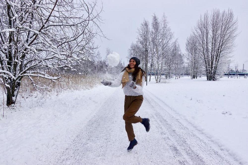 Bikin Iri Maksimal, 10 Potret Liburan Nadine & Dimas di Finlandia