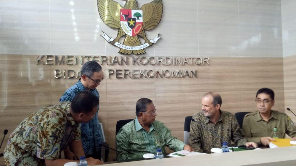 Adakah Dampak Positif dari Luasnya Lahan Kelapa Sawit di Indonesia?