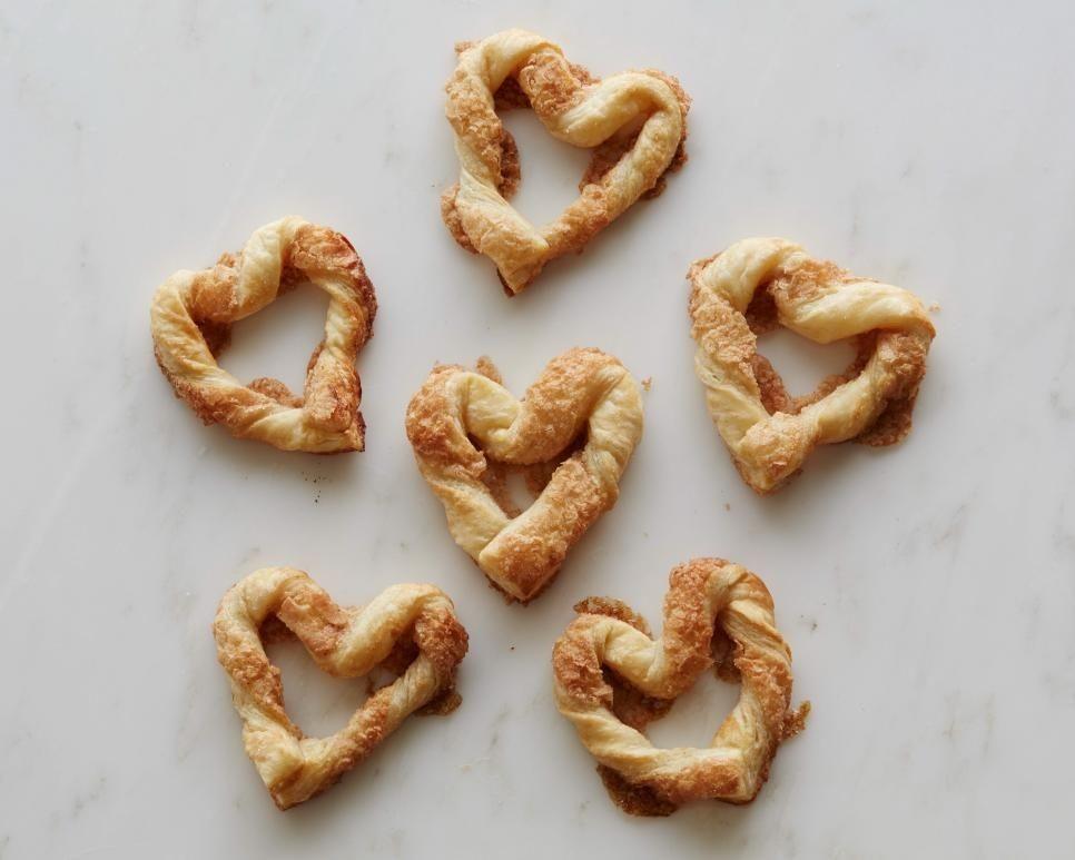 11 Potret Makanan Berbentuk Hati, Inspirasi Kado Saat Hari Valentine