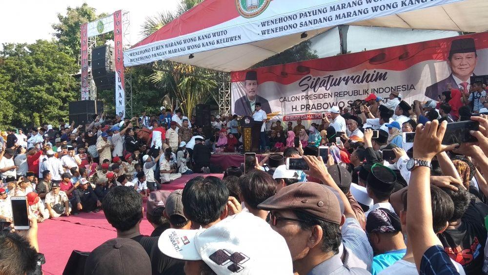 Bertemu Kiai Pengasuh Ponpes Sunan Drajat, Prabowo Enggan Disebut Kaya