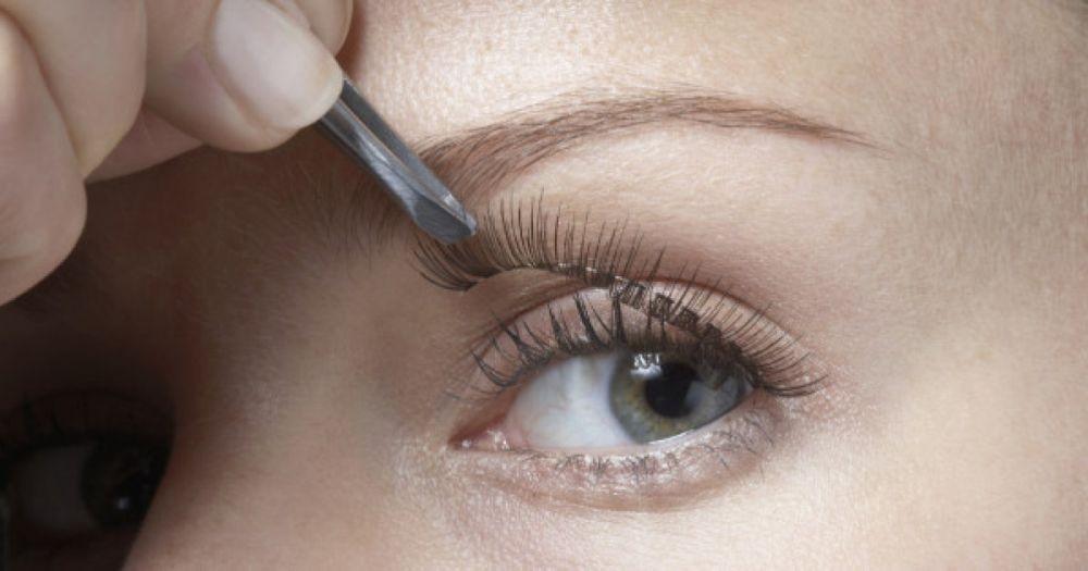 Biar Hasilnya Maksimal, Ini 5 Cara Tepat Gunakan Bulu Mata Palsu!