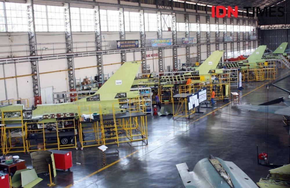 F-16 A/B yang Diperbarui Personel TNI AU Segera Diuji Terbang
