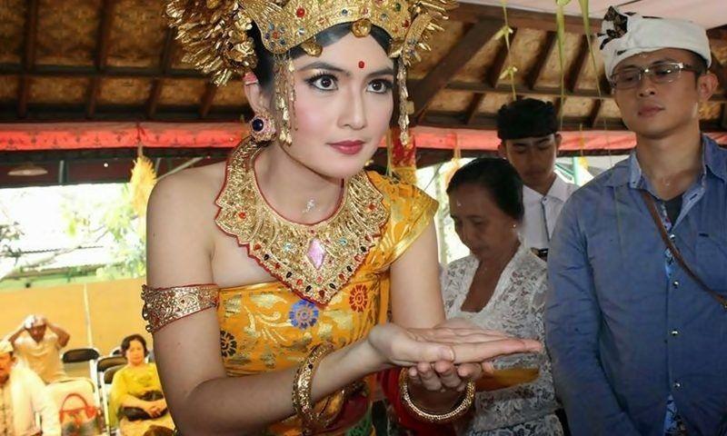 8 Makna Mendalam Rangkaian Prosesi Pernikahan Adat Bali