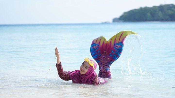 10 Potret Transformasi Ria Ricis Jadi Mermaid, Nyeleneh hingga Anggun!
