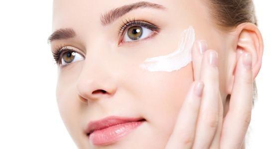 Ini 7 Tips Sederhana Agar Tampil Segar Sepanjang Hari Tanpa Make Up