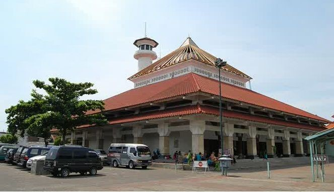 10 Masjid Tertua di Indonesia, Biasanya Jadi Wisata Wajib Saat Ramadan