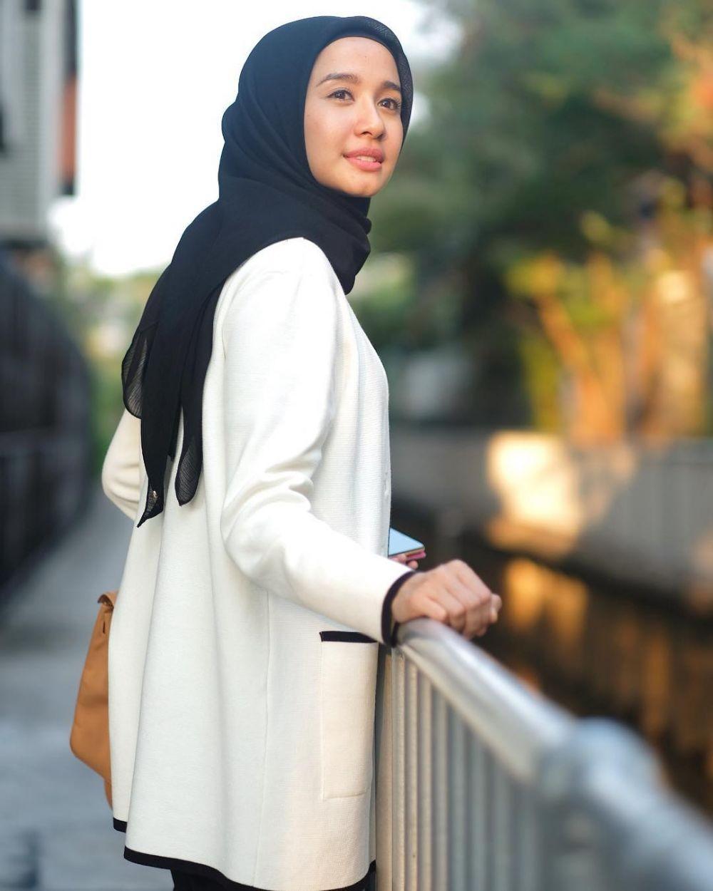 10 Cara Praktis Memakai Hijab Segi Empat Supaya Kamu Tampil Modis