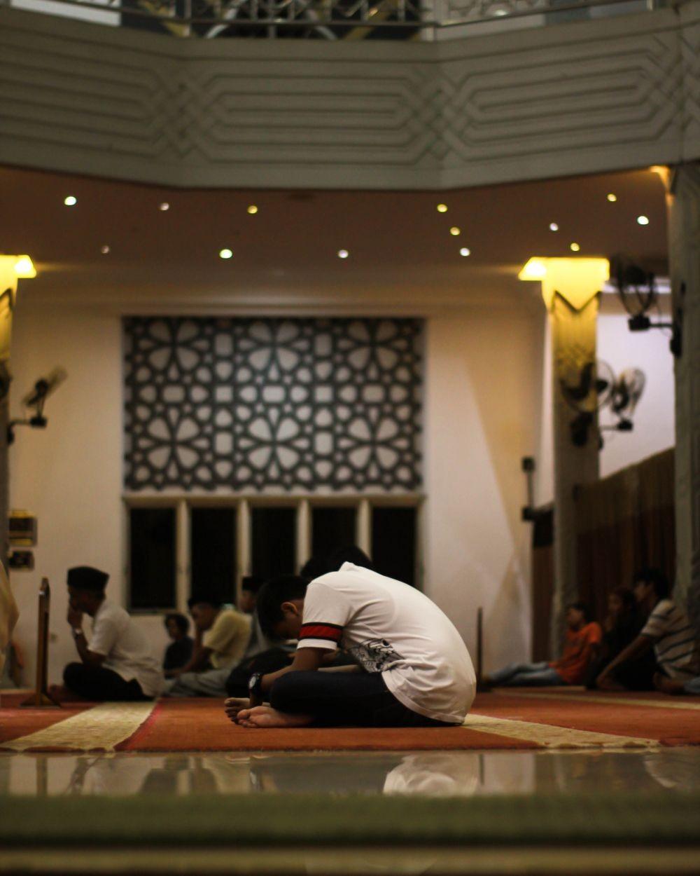 5 Hal Unik tentang Itikaf Saat Ramadan yang Harus Kamu Tahu