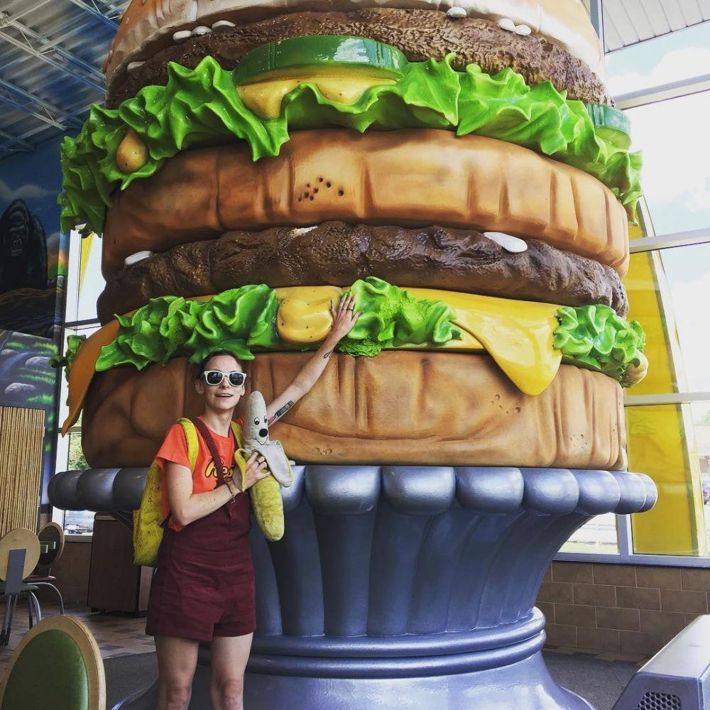 11 Potret Unik Museum McDonald's Big Mac, Keren Banget!