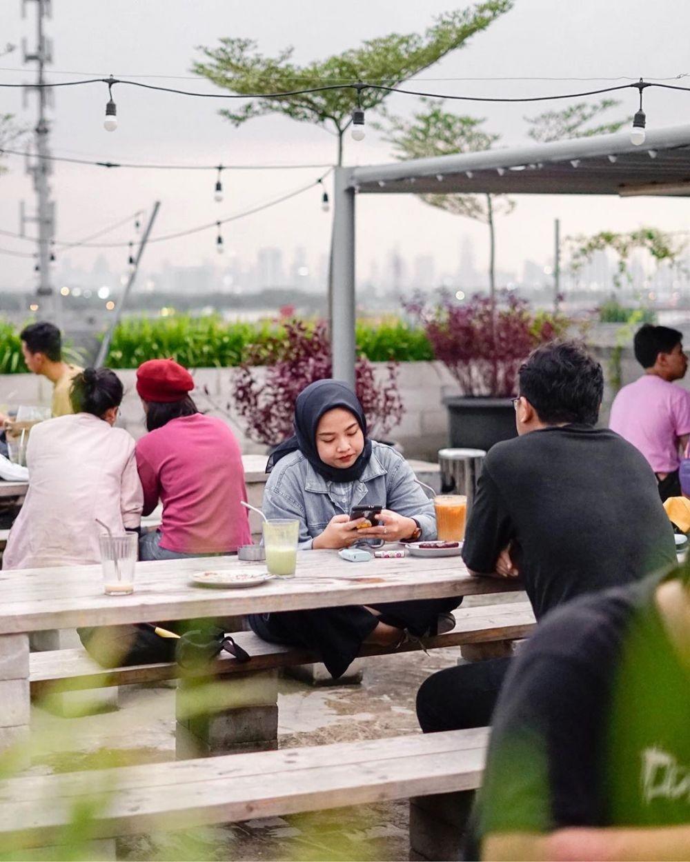 10 Coffee Shop Kekinian di Jakarta Timur yang Cocok buat Nongkrong