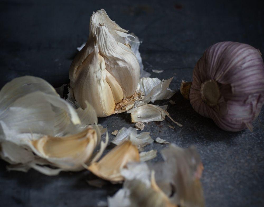 7 Kesalahan Mengolah Bawang Putih yang Sering Dilakukan Banyak Orang