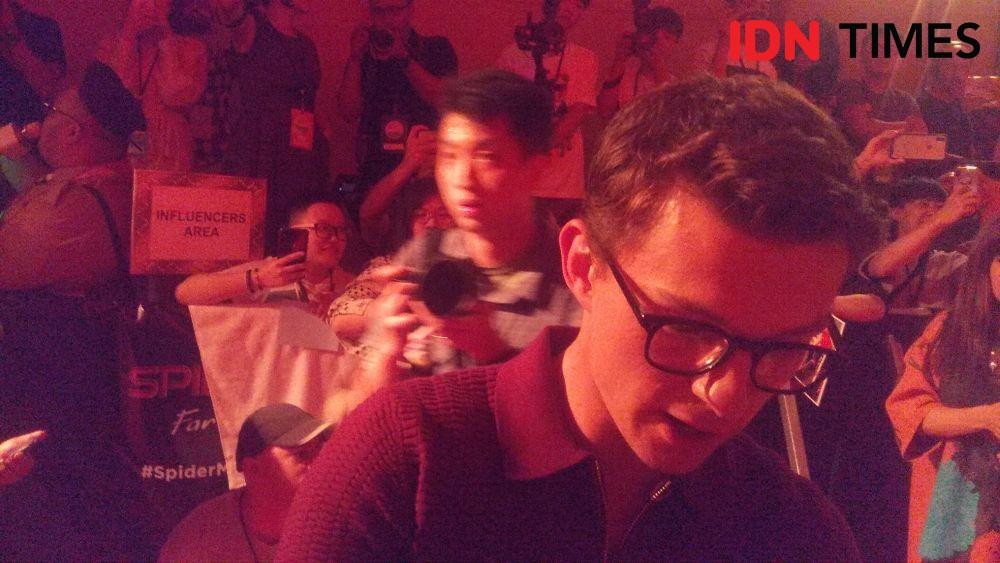 Potret Tom Holland Dapat Wayang & Chris Hemsworth Ucapkan Mantul