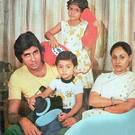 Ultah Pernikahan ke-46 Tahun, 10 Kemesraan Amitabh Bachchan & Istri