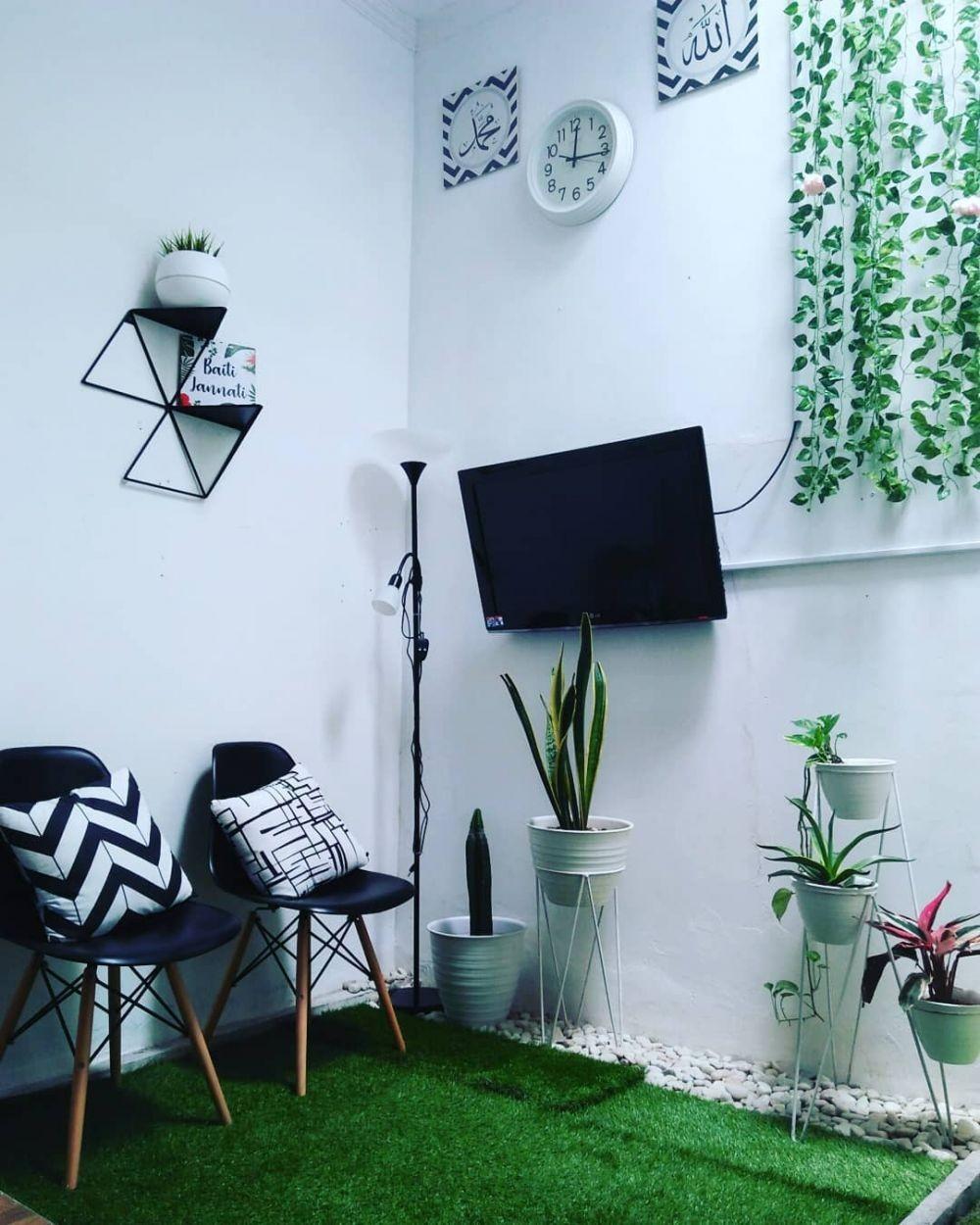 Inspirasi Desain Rumah Tipe 60 dengan Ruang Keluarga Berkonsep Taman