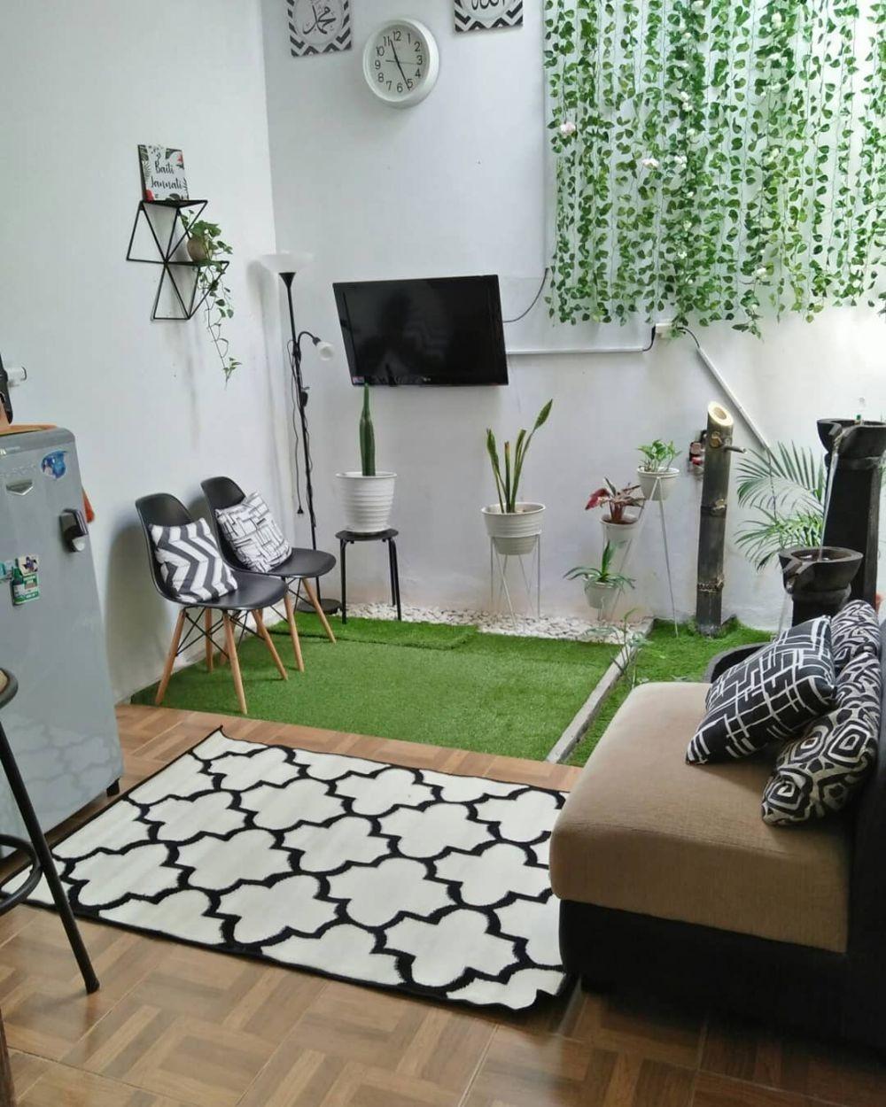 Ide Desain Hunian Bertipe 60 dengan Ruang Keluarga Berkonsep Taman