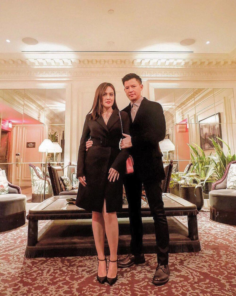 Umumkan Hamil Setelah 7 Tahun Menikah, 10 Potret Shandy Aulia & Suami
