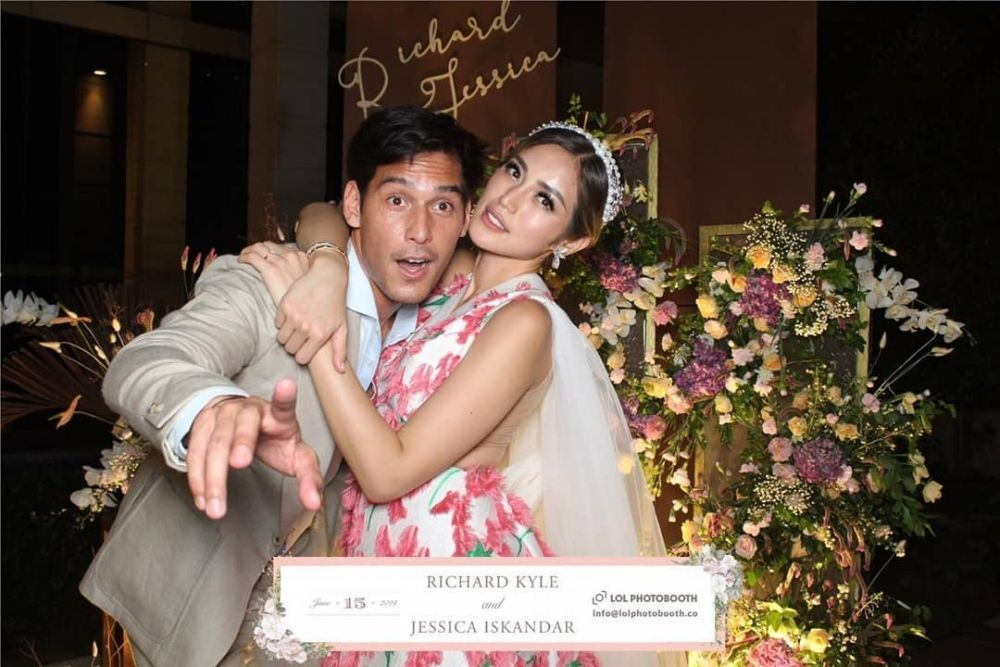 10 Potret Romantis Tunangan Jessica Iskandar & Richard Kyle, So Sweet!