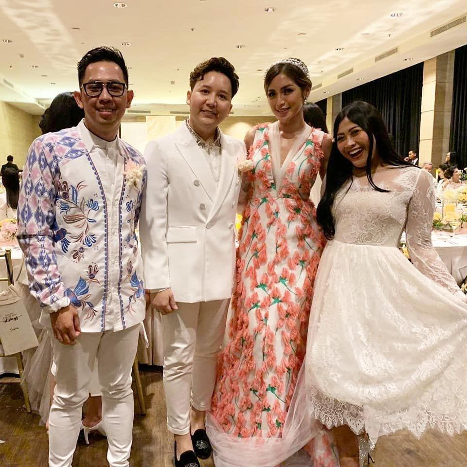 Style Tamu Undangan Pertunangan Jedar & Richard Kyle, Dresscode Putih
