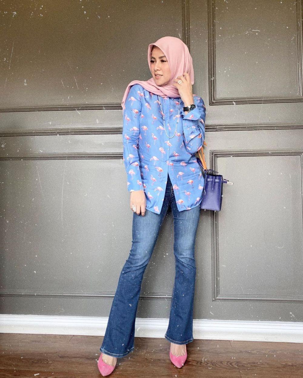 8 Referensi Style Hijab ala Olla Ramlan, Stylish & Berkelas!