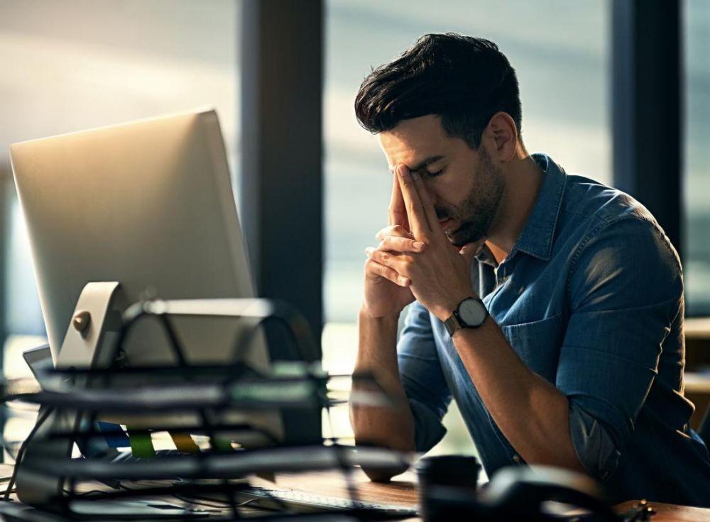 7 Cara Mengatasi Gangguan Kecemasan saat Bekerja, Menurut Para Ahli