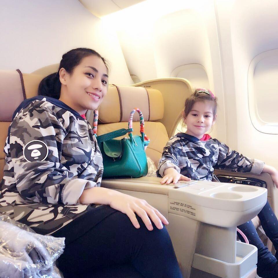 10 Potret Elif Kayla Perk, Anak Penyanyi Siti KDI yang Bule Banget