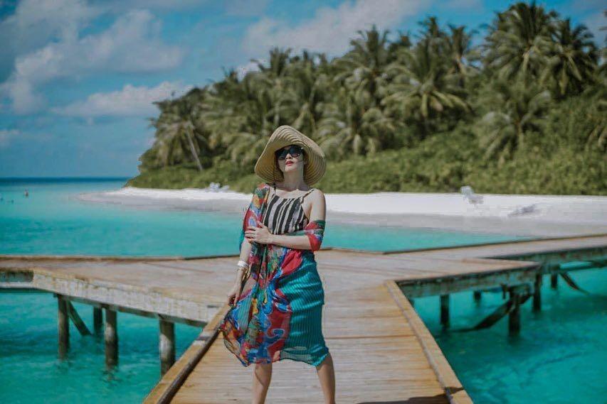 Asyik Main Air, 10 Gaya Liburan Chika Jessica di Maldives