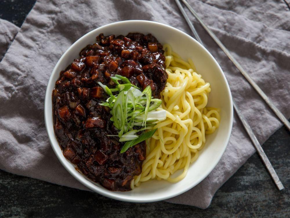 13 Menu Makanan Mie Khas dari Berbagai Negara, Mana Favoritmu?