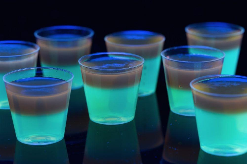10 Makanan Unik yang Bisa Glow in the Dark, Keren Banget Deh!